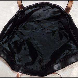 Victoria's Secret Bags - 🎊HP🎊 Victoria's Secret Black & Rose Gold Tote